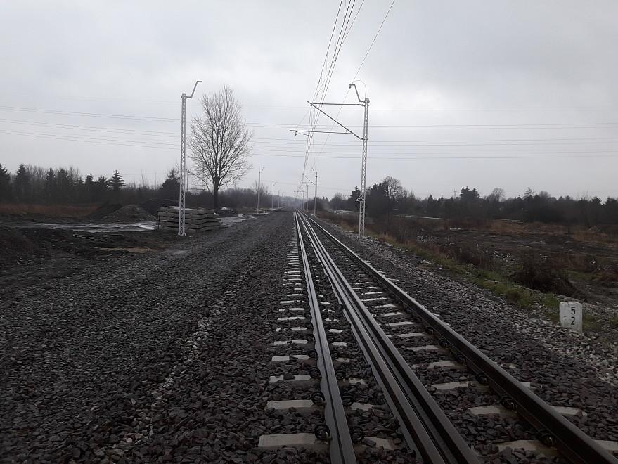 nowe konstrukcje wsporcze tor 2 szlak Lublin - Lublin Zemborzyce km 5,20....jpg